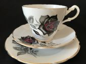 Royal Ascot black / red roses tea trio